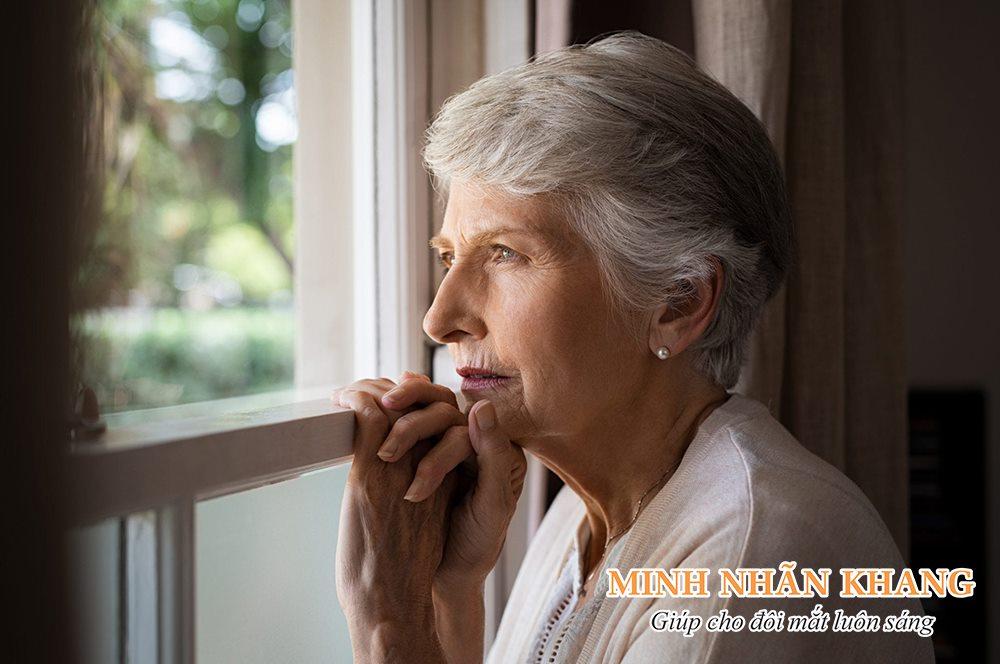 Vẩn đục dịch kính khiến cuộc sống của người bệnh trở lên buồn tẻ